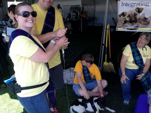 Tracy's-Dogs-Volunteer-medical-team-IMG_1475
